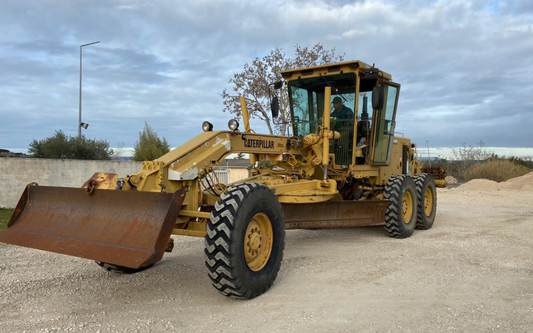 XXL order: shipment of a grader to Africa